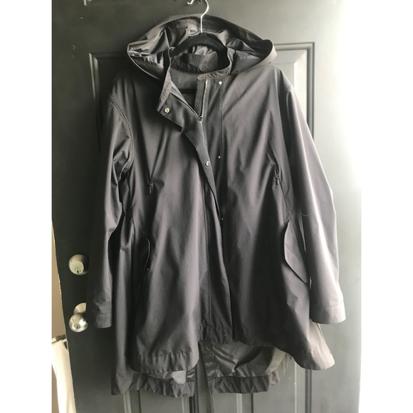 Lululemon Swing Trench, Black, SZ 8